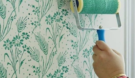 Wand Streichen Ideen Mit Blumenmuster Für Moderne Wandgestaltung In Grün