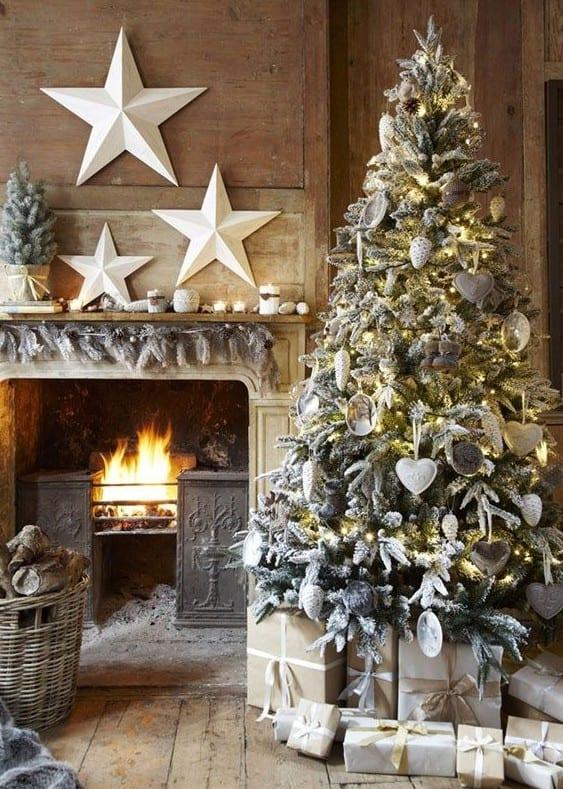 Wei e sterne als dekoideen f r sch ne und frohe for Jugendzimmer weihnachtlich dekorieren