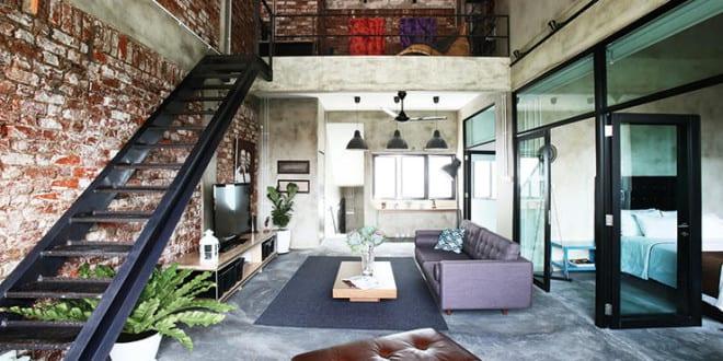 estrichboden und unverputzte ziegelwand mit metalltreppe schwarz f r gestaltung moderner loft. Black Bedroom Furniture Sets. Home Design Ideas