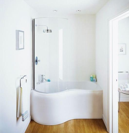 Kleine Und Moderne Badezimmer Mit Badewanne Und Dusche