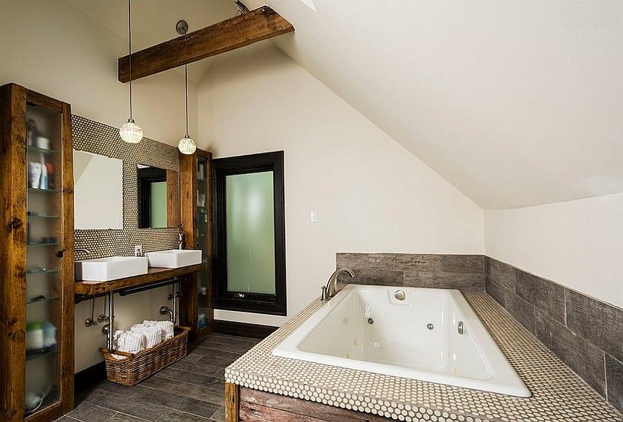 kleine und moderne badezimmer mit badewanne badeeinrichtung im industrial style mit mosaik und. Black Bedroom Furniture Sets. Home Design Ideas