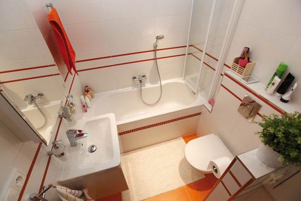 Kleine Und Moderne Badezimmer Mit Badewanne Badezimmer Fliesen Idee