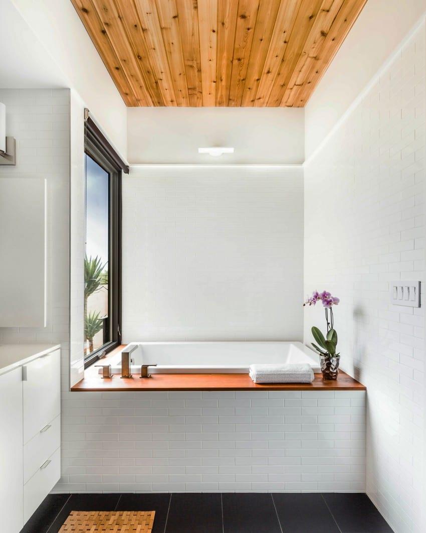 kleine und moderne badezimmer mit japanischer badewanne und ...