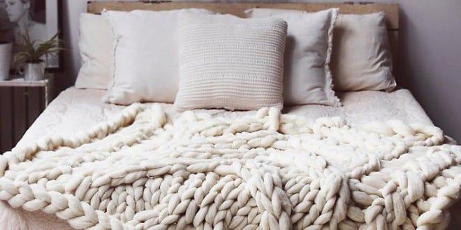schlafzimmer ideen im boho stil kleines schlafzimmer gem tlich und romantisch einrichten freshouse. Black Bedroom Furniture Sets. Home Design Ideas
