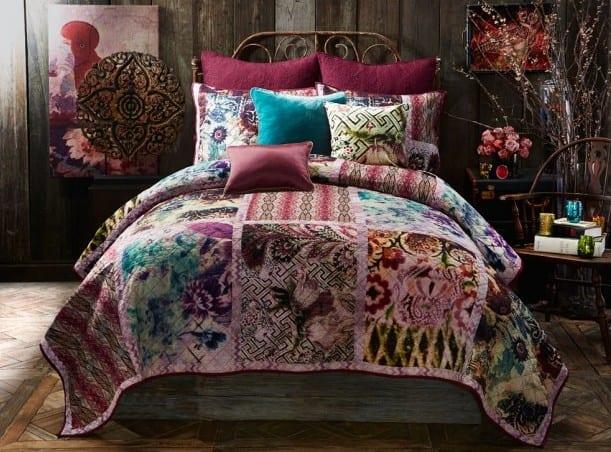 Schon Schlafzimmer Ideen Im Boho Stil_schlafzimmer Dekoration In Lila Und Blau  Und Bett Dekorieren Mit Bettdecke Mit