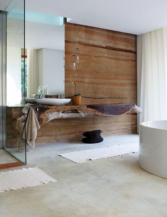 Moderne Badezimmer Im Vintage Style Mit Beton Wand Braun Und Poliertem  Estrichboden Und Hängewaschtisch Holz