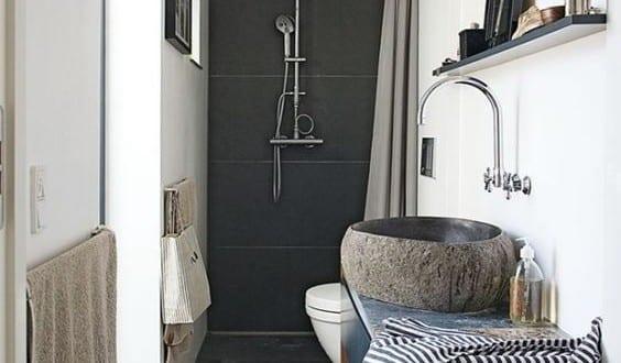 moderne badezimmer im vintage style kleines badezimmer einrichten mit schwarzen fliesen und. Black Bedroom Furniture Sets. Home Design Ideas