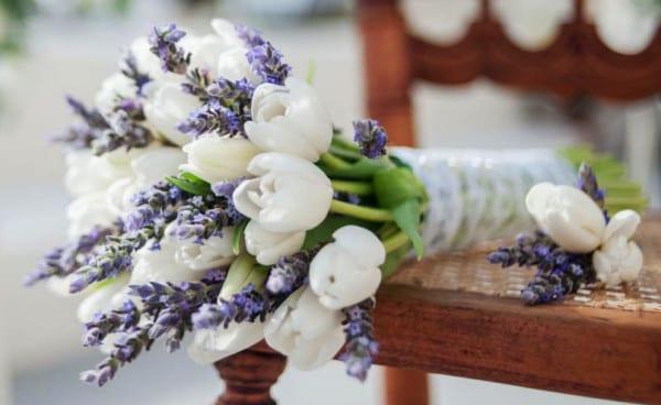 Brautstrauss Ideen Und Blumendeko Hochzeit Mit Tulpen Und Lavendel