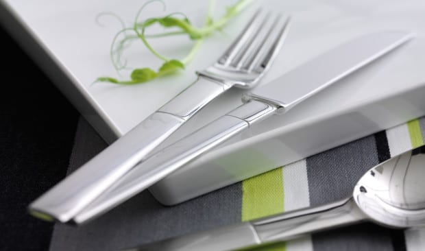 Tisch decken mit modernem besteck besteckset nobel freshouse for Besteck tisch