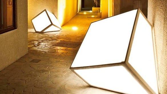 coole laterne basteln aus acrylglasplatte und kantholz als. Black Bedroom Furniture Sets. Home Design Ideas