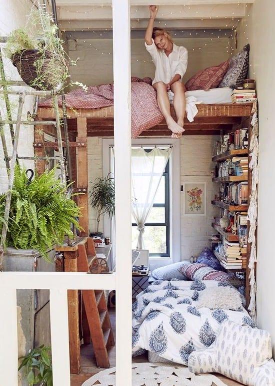 Kleine Wohnung Einrichten Mit Hochhbett Und Leiter Aus Holz_kleines  Schlafzimmer Einrichten Ideen