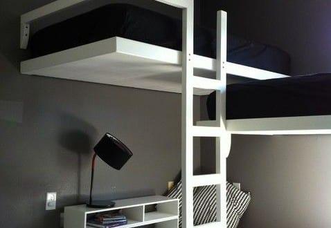 kleine wohnung einrichten mit hochhbett zimmer einrichten minimalistisch mit doppelstockbett. Black Bedroom Furniture Sets. Home Design Ideas