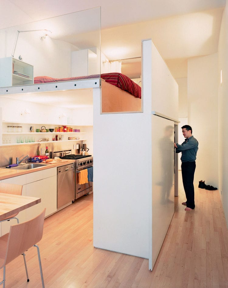 kleine wohnzimmer einrichten mit modernem hochbett und kleiderschrank mit schiebetren zum platzgewinn - Wohnzimmer Kleiderschrank