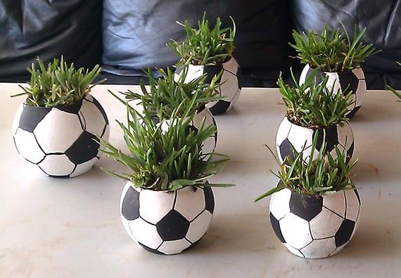 dekoideen zur fu ball em 2016 kreative fu ball tischdeko. Black Bedroom Furniture Sets. Home Design Ideas