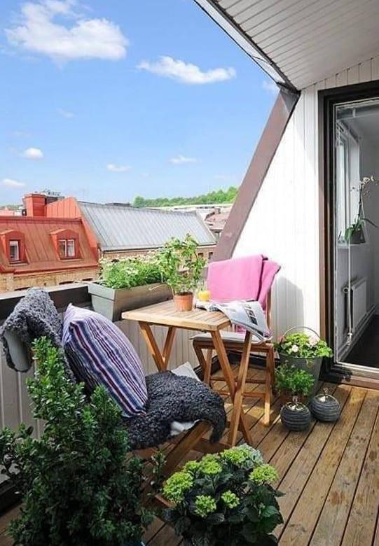 der balkon garten unser kleines wohnzimmer im sommer freshouse. Black Bedroom Furniture Sets. Home Design Ideas