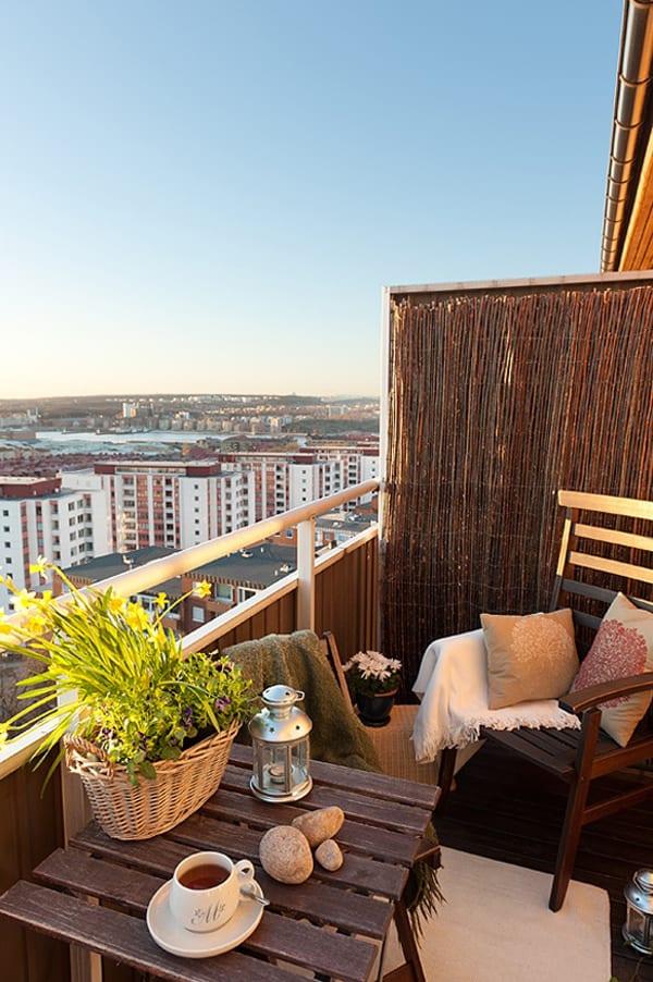 der balkon balkon deko ideen f r unser kleines wohnzimmer im sommer freshouse. Black Bedroom Furniture Sets. Home Design Ideas