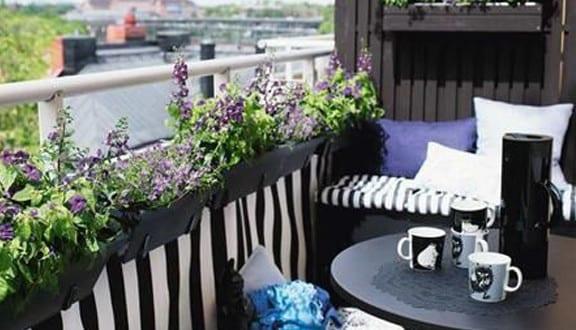 der balkon balkon dekorieren als unser kleines. Black Bedroom Furniture Sets. Home Design Ideas