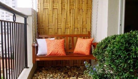 der balkon unser kleines wohnzimmer im sommer mit bambus und kies freshouse. Black Bedroom Furniture Sets. Home Design Ideas