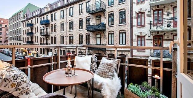 Der Balkon – unser kleines Wohnzimmer im Sommer