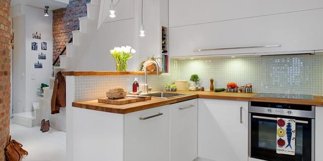 Die komfortable Wohnküche in der kleinen Wohnung