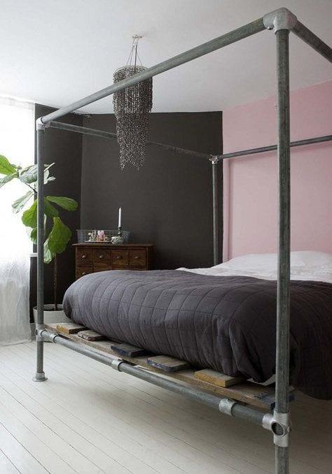 bett selber bauen fr ein individuelles schlafzimmer design_diy bettgestell aus leitungsrohren - Schlafzimmerdesign 2016
