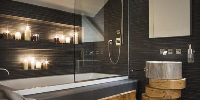 Stilvolle und mutige Badgestaltung in Schwarz und holz - fresHouse
