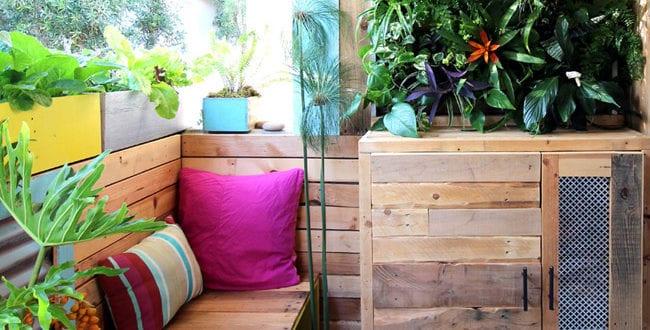 wandgestaltung ideen mit paletten f r die terrasse freshouse. Black Bedroom Furniture Sets. Home Design Ideas