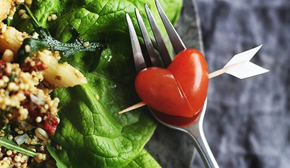 Valentinstag Menü: romantisches Essen mit Herzformen