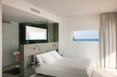 Wohnideen Schlafzimmer - den Platz hinterm Bett für offenes ...