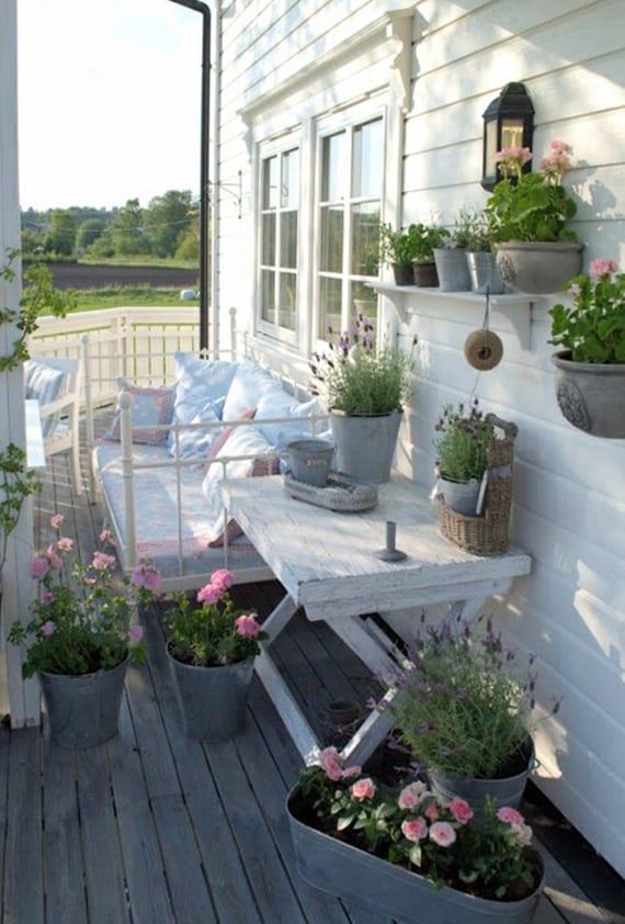 der kleine balkon  weiss balkongestaltung im shabby