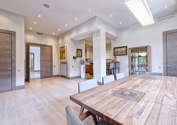 Lichtplanung Wohnzimmer, mit-der-richtigen-lichtplanung-räume-in-szene-setzen_lichtgestaltung, Design ideen
