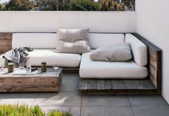 Einrichten-von-einem-privaten-Cafe-auf-der-Terrasse_DIY-Sofa-aus ...