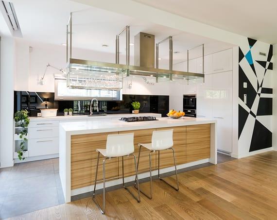 elegantes-Küchendesign-für-offene-Küche-im-Wohnzimmer - fresHouse