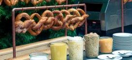 leckeres essen für gartenparty zum thema oktoberfest