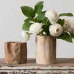 coole dekoideen mit Vasen aus Holz_rustikaler sideboard holz dekorieren mit kleiner holzvase aus baumstamm und weißen blumen