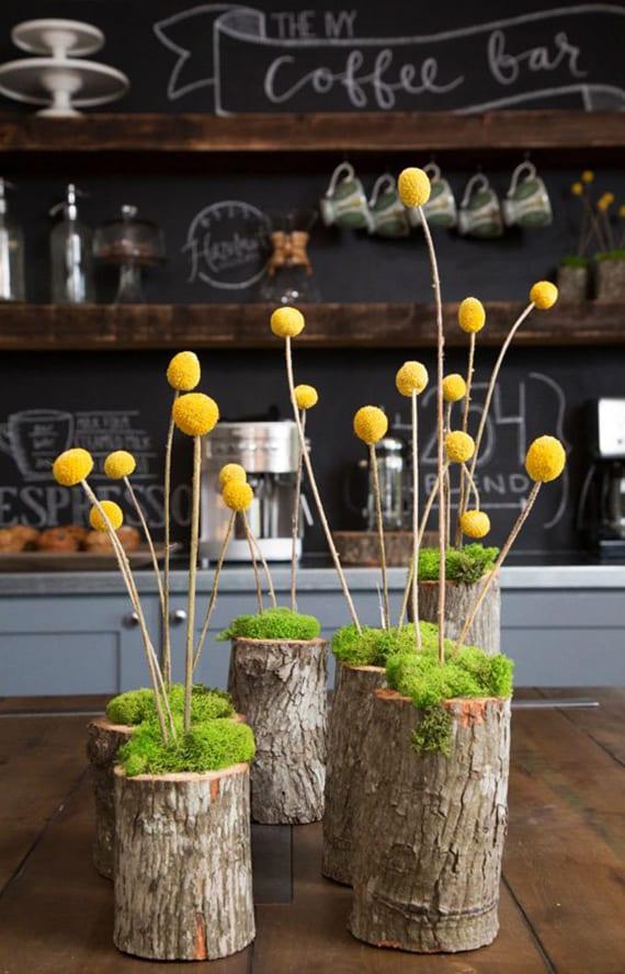Einfache Und Originelle Tischdekoration Mit Blumen In Holzvasen Aus