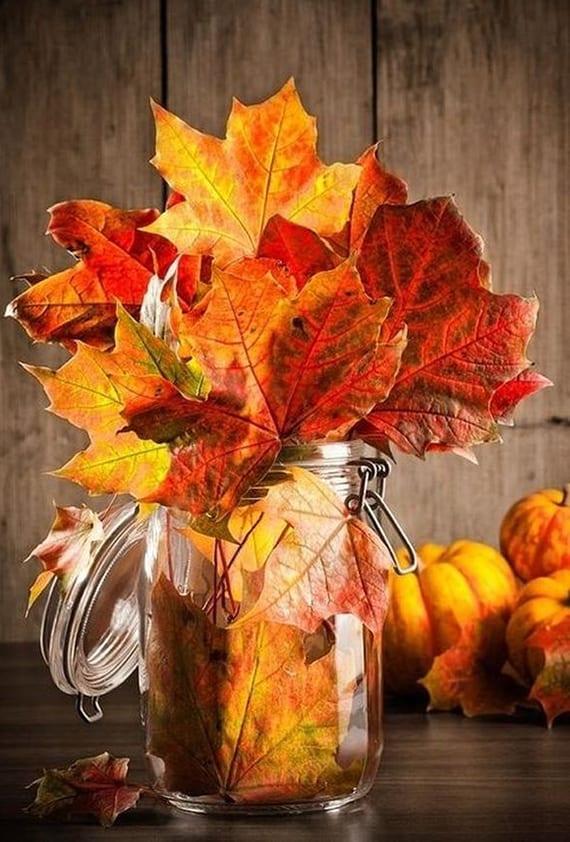 Tischdeko Herbst einfaches herbstbasteln mit herbstblättern für elegante tischdeko
