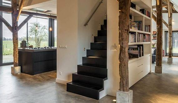 Altes bauernhaus mit modernem interieur im industral stil for Bauernhaus modern