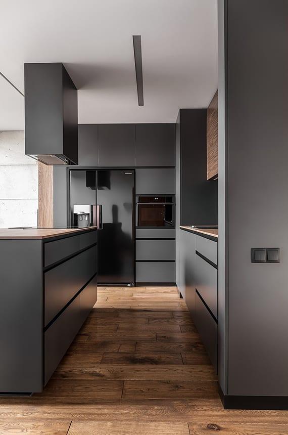 moderne-küche-graphite-mit-schwarzen-einbaugeräten,-kochinsel-mit ...