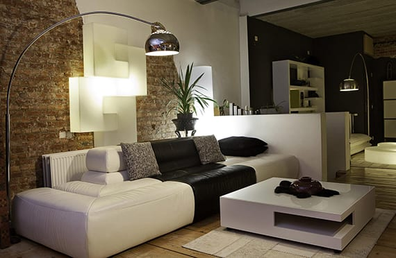 Moderne wohnzimmergestaltung mit licht und farbe freshouse for Moderne wohnzimmergestaltung