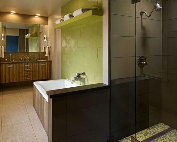 Kleines Badezimmer Gemutlich Gestalten Mit Badfliesen In Dunkelbraun
