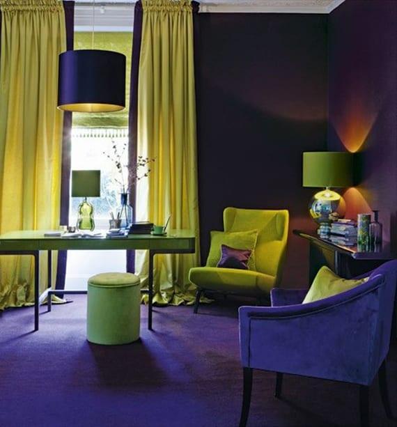 Mutige Farbgestaltungsidee Wohnzimmer Mit Teppich Und Wandfarbe Dunkellilla,