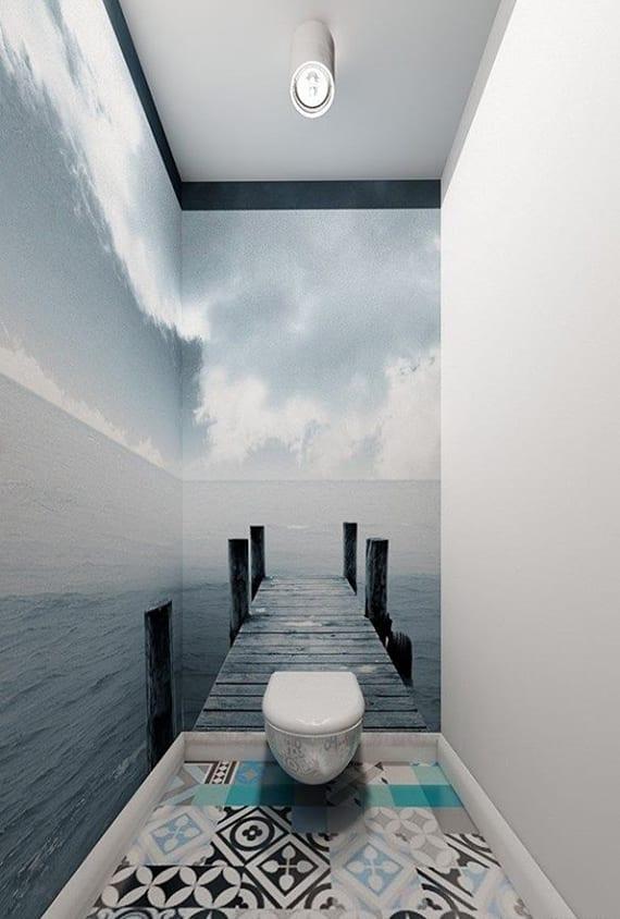 Passende Badfliesen Und Wandtapete Für Effektvolle Raumgestaltung Des  Kleinen WCs. Authentisches Ambiente Im Bad Schaffen Mit ...