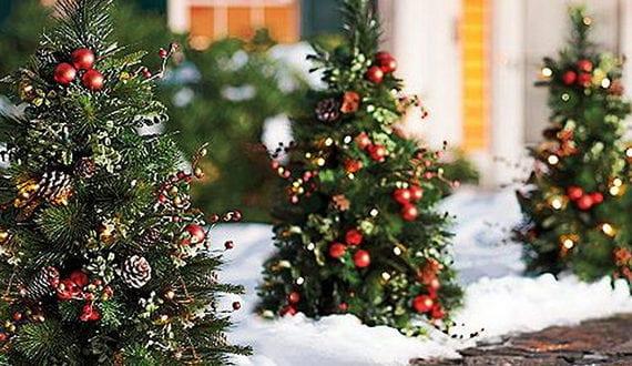 Gartenweg zum hauseingang weihnachtlich dekorieren mit for Jugendzimmer weihnachtlich dekorieren