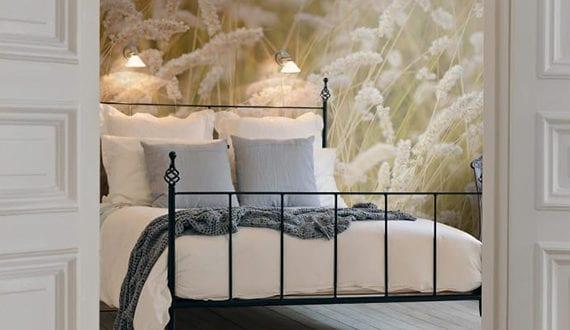 gem tliche und entspannte atmosph re im schlafzimmer schaffen durch passende fototapete f r eine. Black Bedroom Furniture Sets. Home Design Ideas