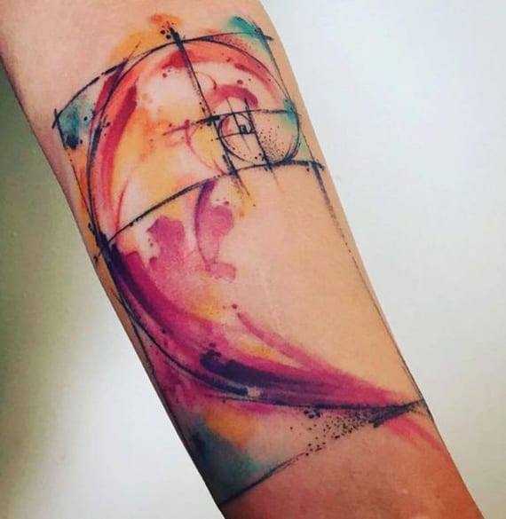 Fibonacci Spirale Watercolor Tattoo idee unterarm