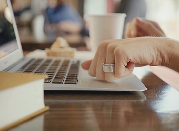 sichere und bequeme Authentifizierung mit dem Ring-Token durch Fingerprint-Sensor