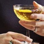rezeptidee für sekt coktail mit lavendel als passendes partygetränk