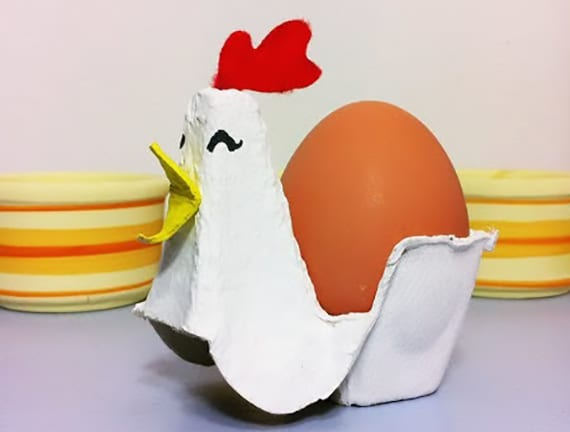 kreative bastelidee für diy eierhalter aus eierkarton und kreative tischdeko zu ostern