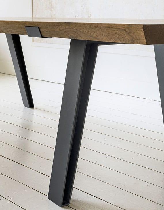 der richtige Esstisch für ein minimalistisches Interieur